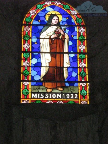 vitrail-installe-lord-de-la-mission-ST-therese-1932